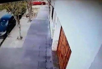 Morón: albañiles ayudaron a ladrones a entrar a casa para robar 23 mil dólares