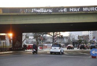 Arrancó la demolición del puente de Juan B. Justo: durará dos semanas