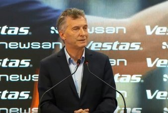 Macri inauguró una planta de generadores de energía eólica en Campana