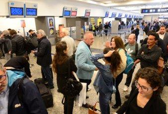 Los gremios de aeronavegantes harán nuevas asambleas en Aeroparque: se podrían registrar demoras y cancelaciones