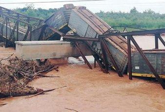 Se desplomó un puente en Salta cuando pasaba el tren Belgrano Cargas