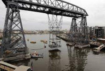 Transbordador de La Boca: desde que lo arreglaron sólo hizo 2 viajes y no tiene uso
