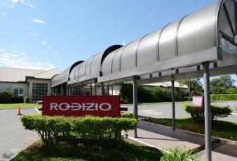 Tras el cierre de Cló Cló, peligra el restaurante Rodizio de Costanera Norte