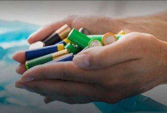 Impulsan un plan piloto para recolección y reciclado de pilas en desuso en la Ciudad