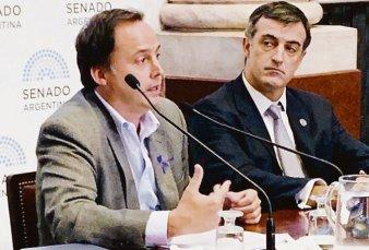 Menna presentó en Chubut plan para crear 25 mil empleos