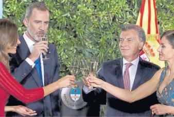 La foto del día: fuerte apoyo del rey de España