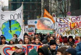 Estudiantes de más de 100 países marchan hoy por el cambio climático