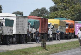 Ingreso récord de camiones con la cosecha a los puertos del Gran Rosario