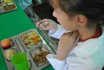 Desde la escuela, buscan prevenir la obesidad