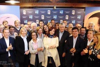 Cristina Kirchner participó de la cumbre del PJ y se espera un llamado a la unidad del peronismo