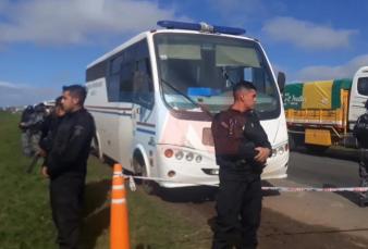 Emboscaron a los tiros un móvil con presos en la ruta en Santa Fe: hay nueve fugados