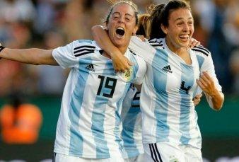 Argentina se prueba con Uruguay antes del Mundial de Francia