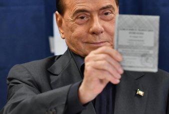 Como el Ave Fénix: Silvio Berlusconi fue elegido al parlamento europeo