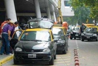 Taxis de Aeroparque cobrarán hasta 29% más por congestión