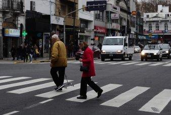 Con asfalto por adoquines, lograron bajar el ruido en la avenida Triunvirato