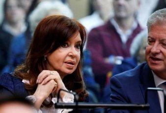 Cristina Kirchner fue al Senado mientras se desarrolla el juicio en su contra