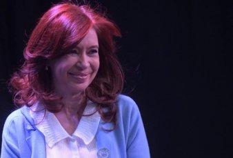 Cristina Kirchner no asistirá el lunes al juicio oral en su contra por la obra pública