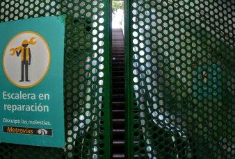 Crecen las quejas por el subte y la causa principal son las escaleras mecánicas