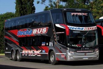 """Flecha Bus enfrenta a las """"low cost"""" con descuentos y cuotas"""