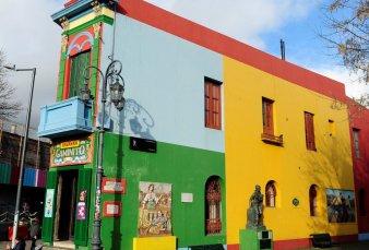 Caminito cumple 60 años y sus paredes recuperan los colores originales