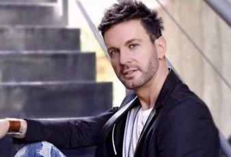 Una joven denunció por abuso sexual al cantante Axel