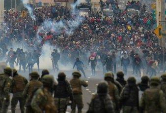 """Protestas y represión en Ecuador - """"No recomendamos no viajar, sino esperar que la situación amaine"""""""