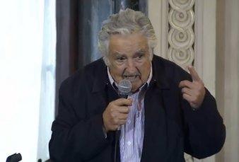"""Pepe Mujica en el Nacional Buenos Aires: """"Sé que Argentina va a salir de la angustia que tiene, ha salido siempre"""""""