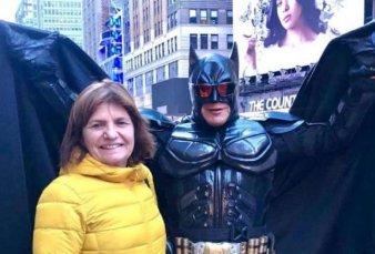 """El Batman argentino de Nueva York estuvo con Patricia Bullrich: """"Mauricio Macri también me conoce"""""""
