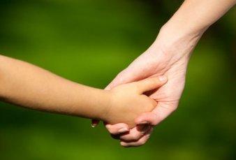 Sin antecedentes: le dieron la adopción de una nena a una mujer fallecida