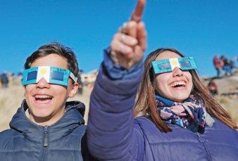 Río Negro: esperan una multitud por eclipse de sol