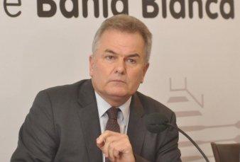 Bahía Blanca: el intendente gana medio millón y dice que no se lo puede bajar
