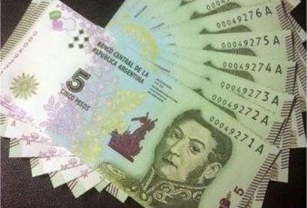 Piden postergar seis meses la salida de circulación del billete de 5 pesos