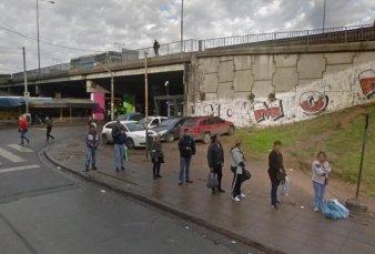 Para los pasajeros, la parada de colectivos más insegura está en Liniers