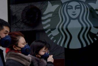 Coronavirus: Starbucks cierra más de 2000 locales en China