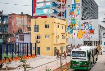 Desde hoy el transporte público empieza a circular por las calles de la villa 31