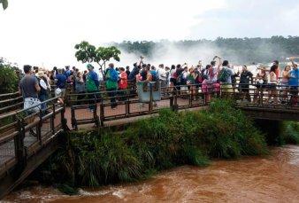 Récord de turistas en las Cataratas del Iguazú: casi 200 mil sólo en enero