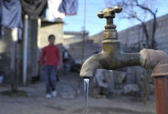 Salta: Ponen en marcha obras para llevar agua a los wichis