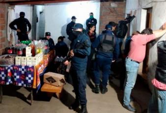 Coronavirus: detuvieron a un intendente por violar la cuarentena para comer un asado