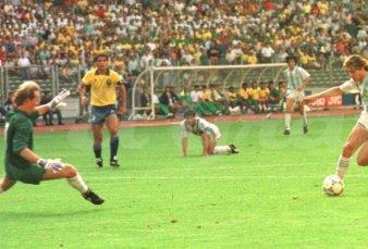"""A 30 años del gol a Brasil, el recuerdo del Pájaro Caniggia: """"Es una jugada bárbara que puede salir una vez cada tanto"""""""