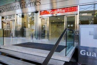 Detectan 36 casos y aíslan a 47 personas entre el personal del Sanatorio Güemes