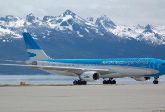 El Gobierno analiza permitir vuelos cortos para las vacaciones de invierno