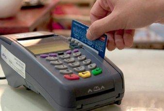 Crece el consumo con tarjeta