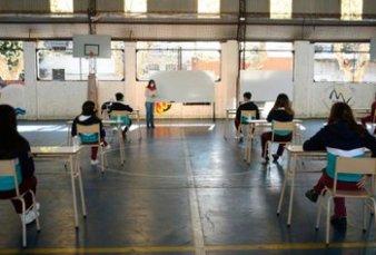 Ciudad propuso clases en patios de las escuelas desde el 5 de octubre