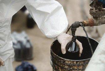 Desbaratan organización que robaba el petróleo a YPF, lo refinaba y vendía