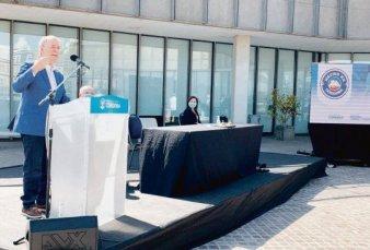 """Schiaretti activa sello de """"Hecho en Córdoba"""" para potenciar ventas"""