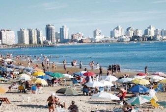 Verano en Uruguay: analizan permitir ingreso de argentinos con casa propia o alquilada