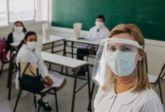 Los alumnos de último año volverían a clase por tandas y rendirán un examen
