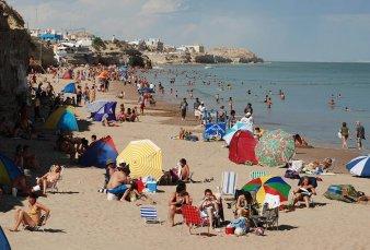 Avanza el protocolo para ir a la Costa: habrá una app de celular para turistas