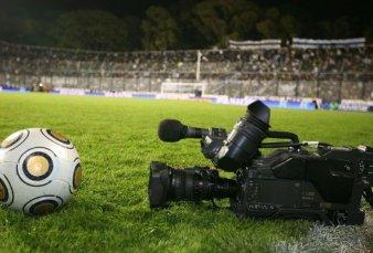 Comienza negociación para que haya fútbol en la TV Pública