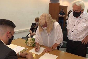 Con turnos y barbijos, volvieron los casamientos en provincia de Buenos Aires
